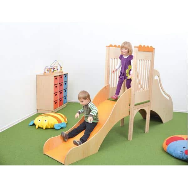 Kindergarten-Spielecke mit Rutsche 3