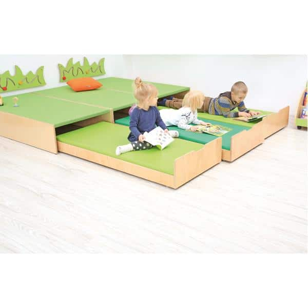 Kindergarten-Podest mit Auszugsbett 3