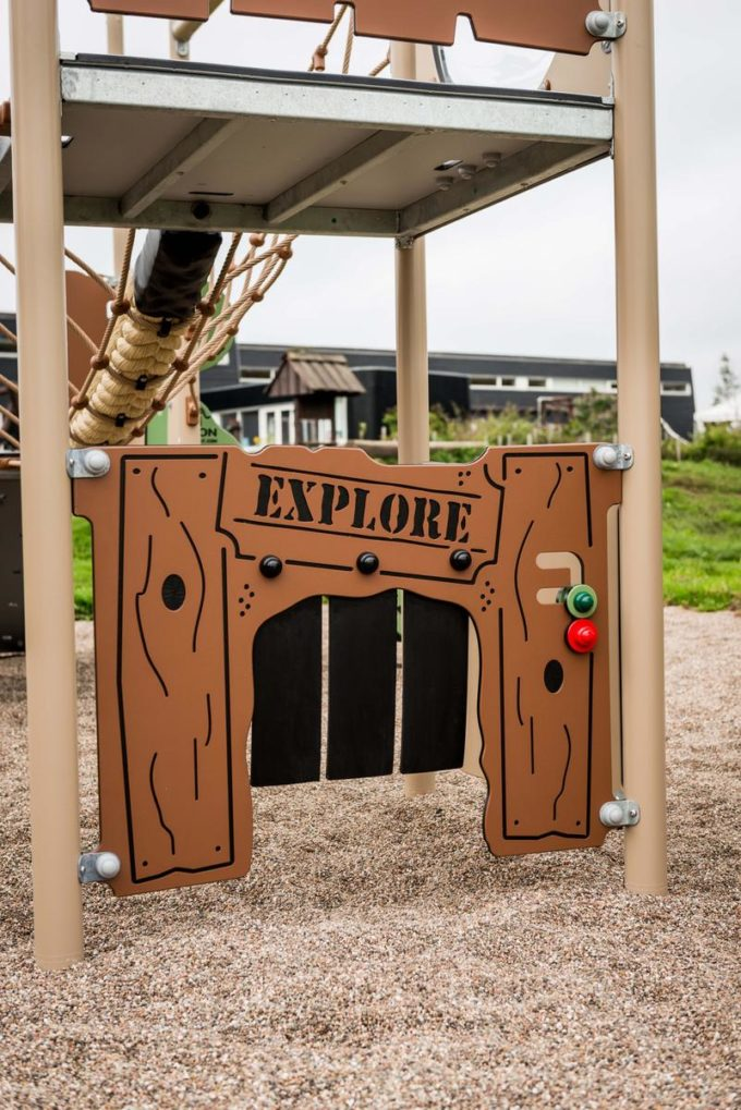 Spielturm Roka - inkl. Rutsche & Kletterwand - LEDON Explore - EX140 9