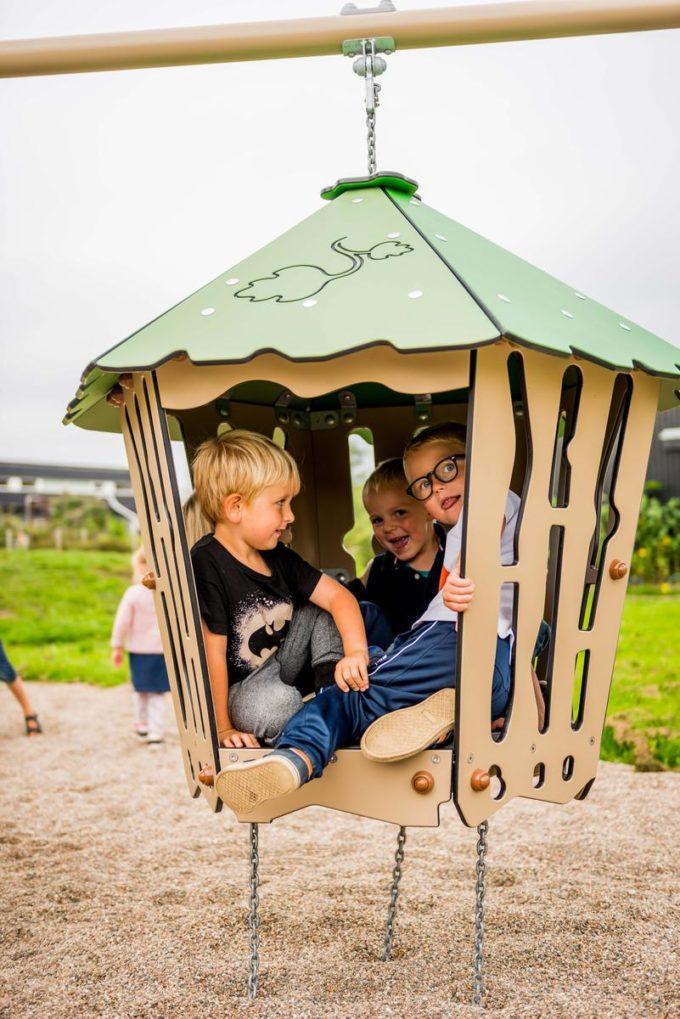 Spielanlage Suri - inkl. Rampe, Rutsche & schwingender Hütte - LEDON Explore - EX135 9