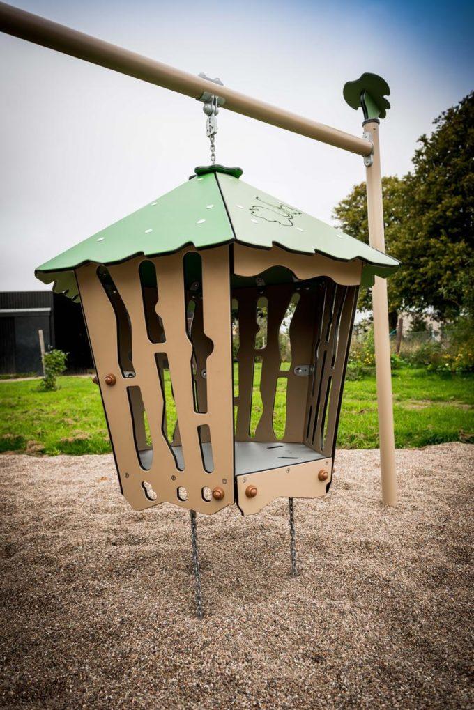 Spielanlage Suri - inkl. Rampe, Rutsche & schwingender Hütte - LEDON Explore - EX135 5