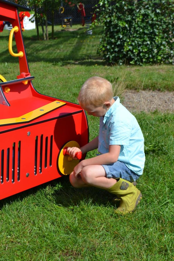 Spielhaus Traktor in Rot - LEDON Originals - 1710-11 7
