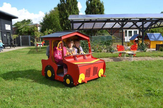 Spielhaus Traktor in Rot - LEDON Originals - 1710-11 9