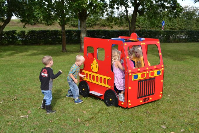 Spielhaus Feuerwehrauto - LEDON Originals - 1700 6