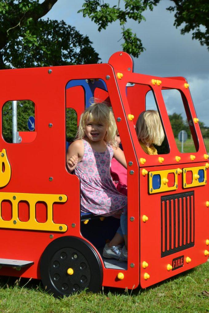 Spielhaus Feuerwehrauto - LEDON Originals - 1700 7