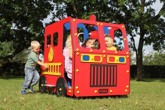 Spielhaus Feuerwehrauto - LEDON Originals - 1700 9