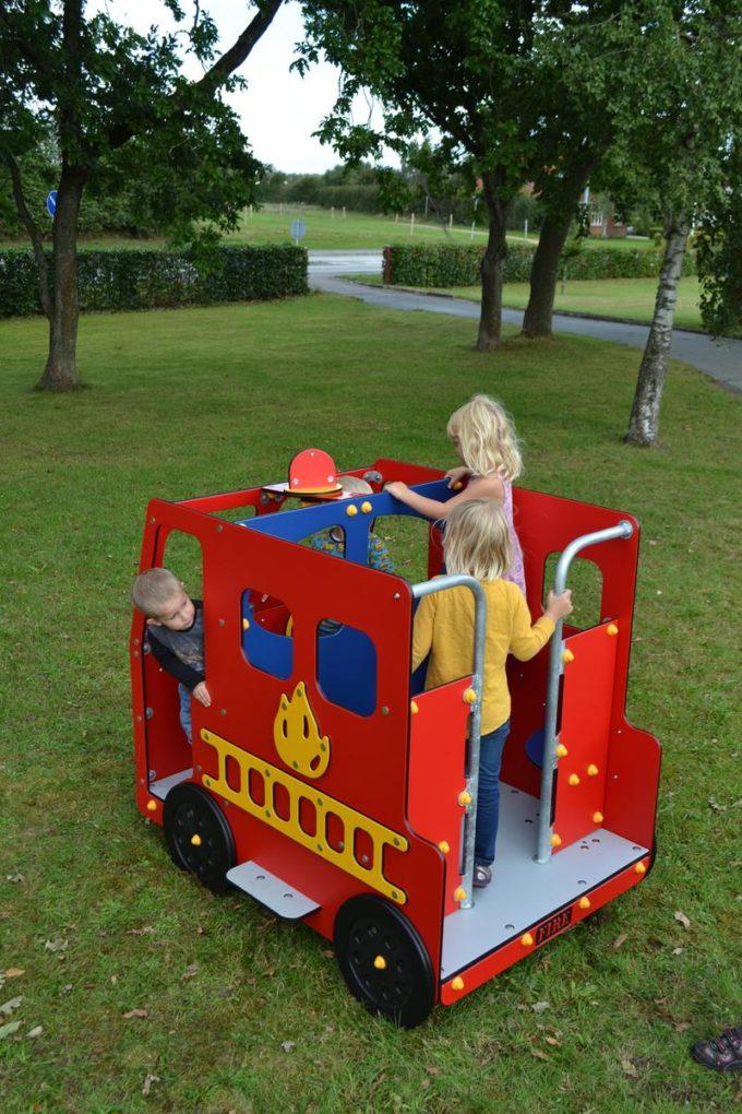 Spielhaus Feuerwehrauto - LEDON Originals - 1700 4