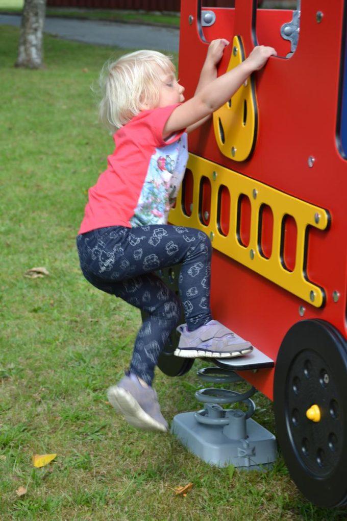 Spielhaus Feuerwehrauto auf Federn - LEDON Originals - 1701-02 3