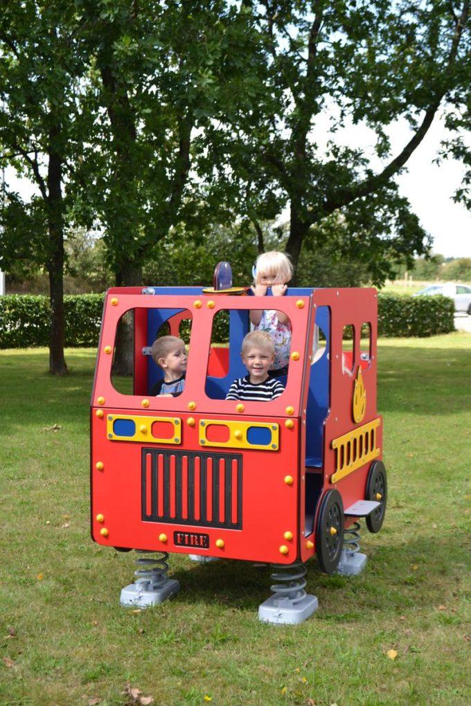 Spielhaus Feuerwehrauto auf Federn - LEDON Originals - 1701-02 6
