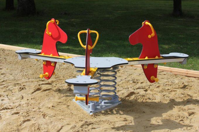 Federwippe Pferde Triangel für 3 Kinder - LEDON Originals 5