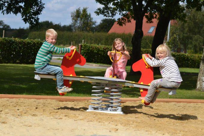Federwippe Pferde Triangel für 3 Kinder - LEDON Originals 2