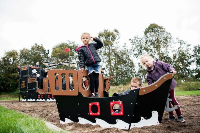 Spielhaus Mini-Piratenschiff Sally - LEDON Pirates 9