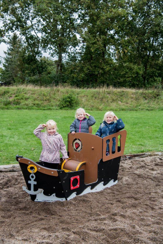 Spielhaus Mini-Piratenschiff Sally - LEDON Pirates 4