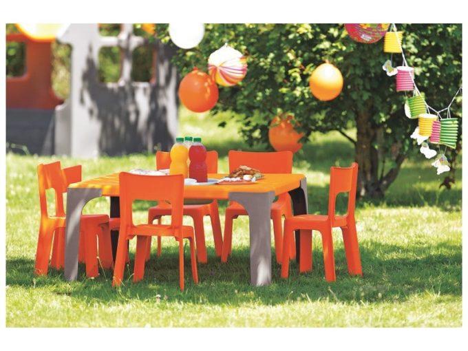 Spieltisch Lou - Großer quadratischer Tisch 6