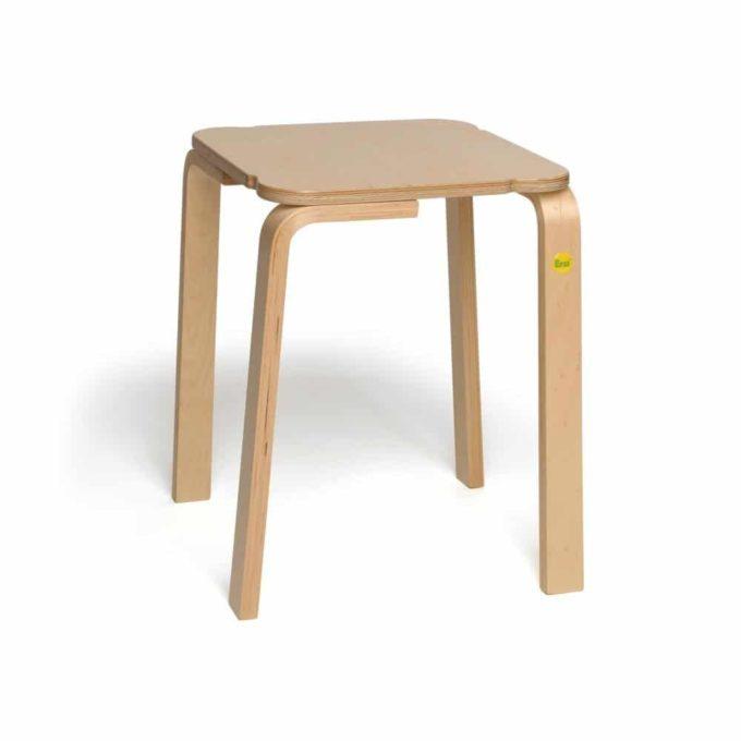 Holz-Hocker mit quadratischer Sitzfläche 1