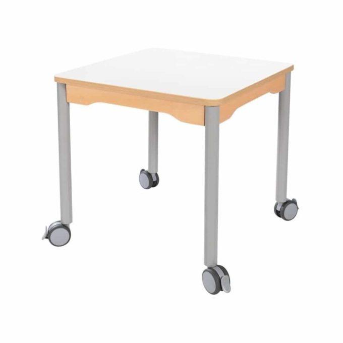 Tisch quadratisch 60x60 cm - mit Metallbeinen und Rädern 1
