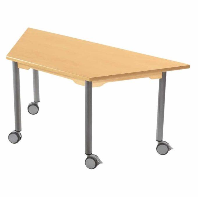 Tisch trapezförmig - mit beschichteter Tischplatte mit Beinen aus grauem Metall und Rollrädern 1