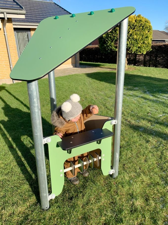 Kleines Spielhaus Ben mit Spielwand - LEDON Basic - LB083 6