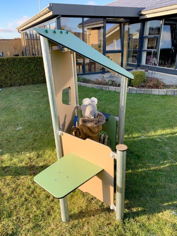Kleines Spielhaus Bibi mit Spielwand und Tisch - LEDON Basic - LB086 13