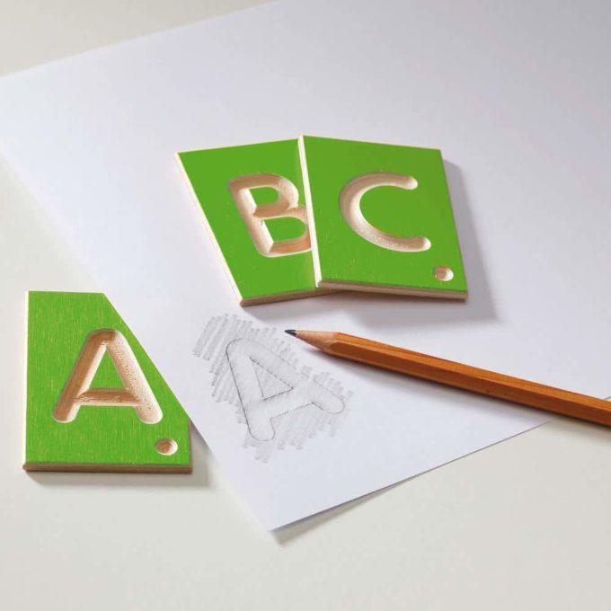 Erzi Lernspiel Großbuchstaben 4