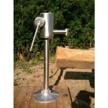 Spielplatzpumpe aus Edelstahl für Druckwasserleitungen 4