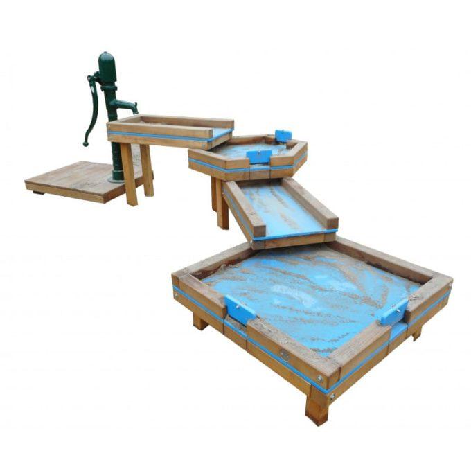 Wasserspielanlage aus Robinien-Holz - mit 4 Matschtischen und Pumpenpodest 1