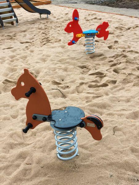 Lars Laj Federwippe Pony 6