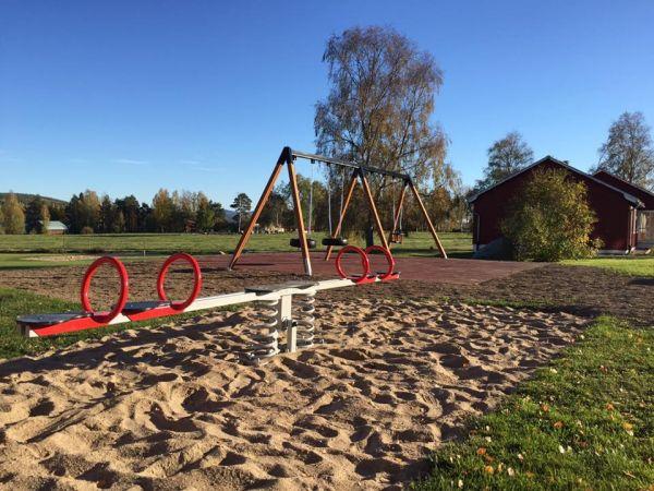 Lars Laj Doppelte Wippe für 4 Kinder 14