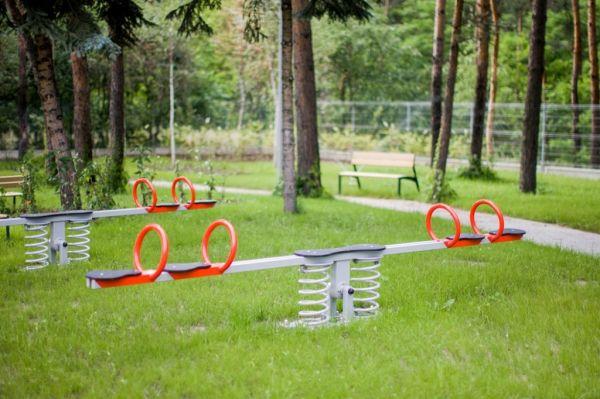 Lars Laj Doppelte Wippe für 4 Kinder 13