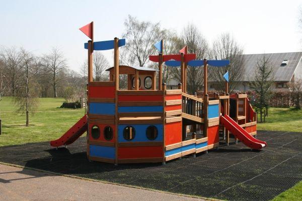 Lars Laj Spielschiff Bounty 14
