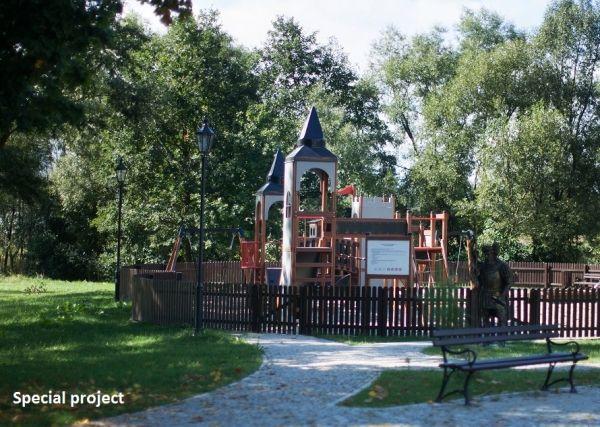 Lars Laj Spielanlage Schloss Camelot 22