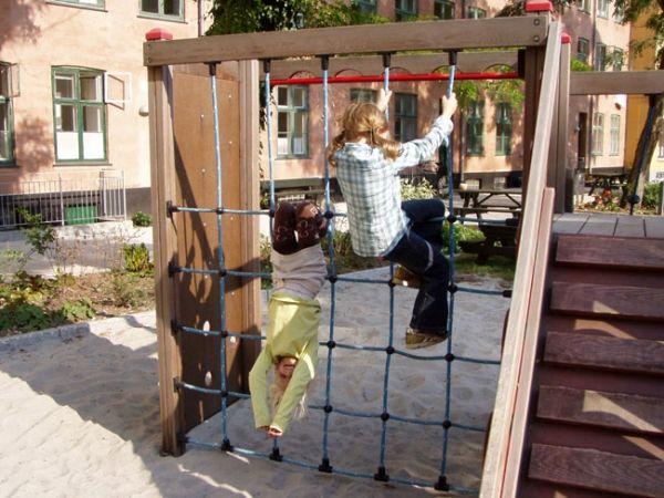 Lars Laj Spielplatzanlage Tarzan Festung 18