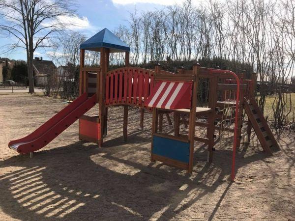 Lars Laj Spielplatzanlage Tarzan Festung 14
